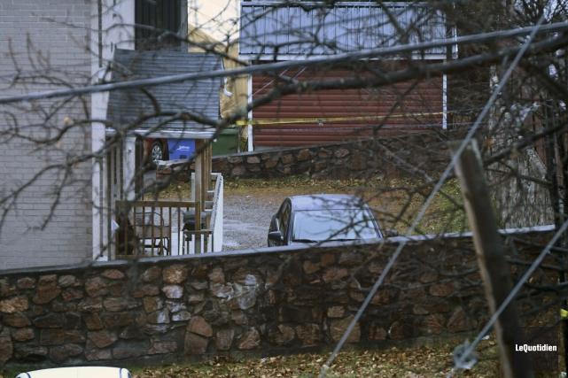 C'est dans ce stationnement que la victime a... (Photo Le Quotidien, Michel Tremblay)