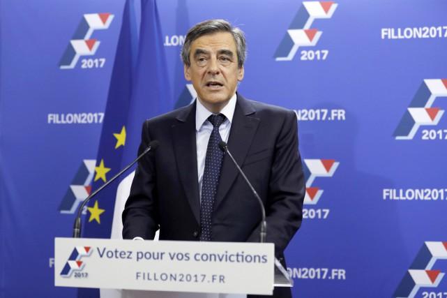 Longtemps distancé dans les sondages, François Fillon a... (PHOTO REUTERS)