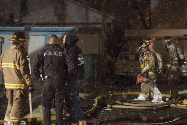 C'est une «soupe au pot» qui aurait causé l'incendie survenu tard dimanche soir... (Spectre Média, Julien Chamberland)