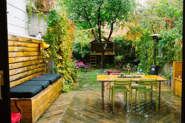 La petite cour est chaleureuse et invitante.... (Photo Marie-Christine Gobeil, collaboration spéciale)