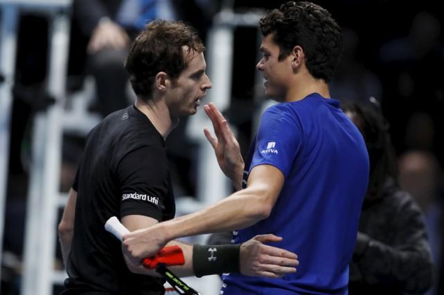 Milos Raonic (à droite) s'est incliné en demi-finale... (Kirsty Wigglesworth, Associated Press)