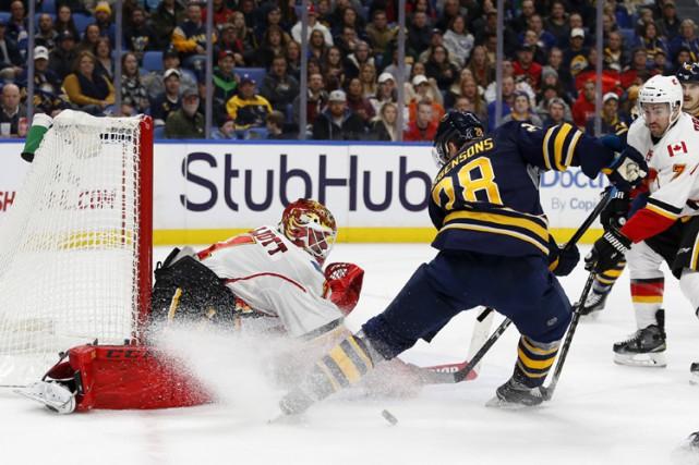 Trois buts sans réplique en deuxième période ont mené les Sabres de Buffalo... (PHOTO REUTERS)
