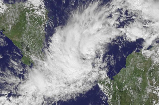 La tempête tropicale Otto doit se convertir en... (REUTERS)