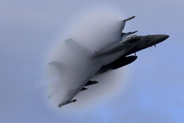 Un Super Hornet F-18 de Boeing... (AP, Mark Wilson)