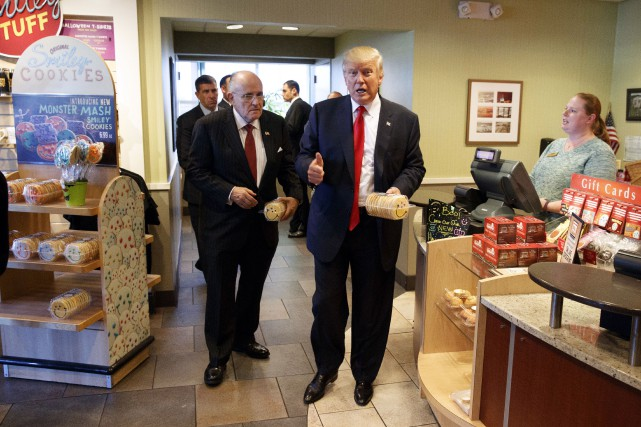 Donald Trump et l'ancien maire de New York,... (AP)