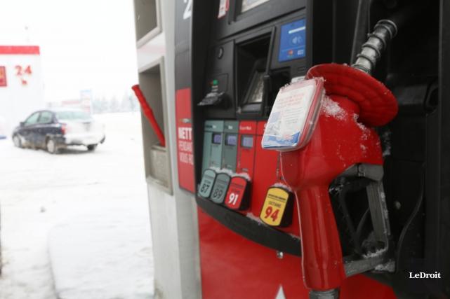 Le prix de l'essence est l'un des principaux... (Etienne Ranger, Archives Le Droit)