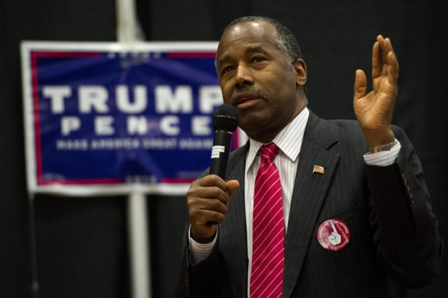 Ben Carson lors d'un rallye pro-Trump au Colorado,... (PHOTO AP)