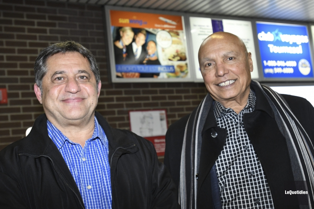 Les dirigeants de Sunwing, Sam Char et Colin... (Photo Le Quotidien, Michel Tremblay)