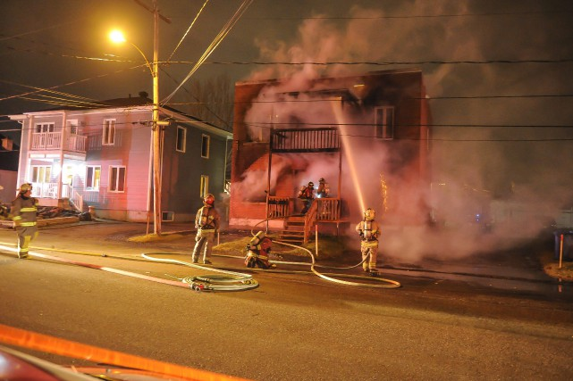 Les trois incendies survenus à Alma récemment sont... (Archives Le Quotidin, Gimmy Desbiens)