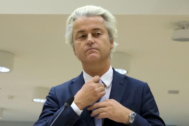 S'adressant à ses trois juges, Geert Wildersa plaidé... (photo Peter Dejong, AP)