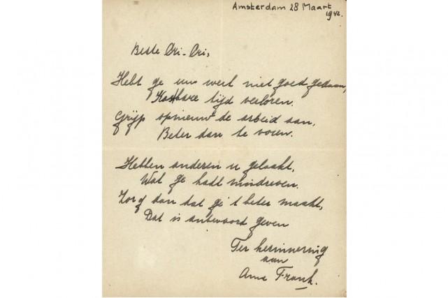 Un poème écrit de la main d'Anne Frank peu avant que l'adolescente juive ne se... (PHOTO REUTERS)