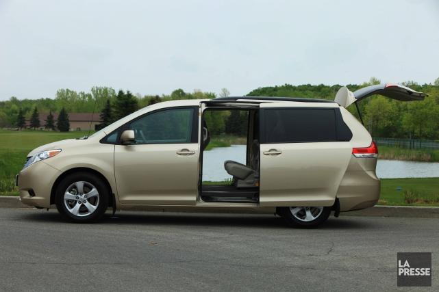 La porte latérale des Toyota Sienna rappelés peut... (PHoto : Éric Lefrançois, la presse)