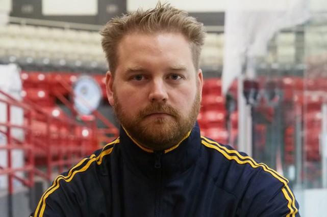 L'entraîneur-chef des Inouk,Patrick Gosselin... (Alain Dion)