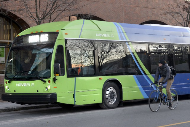 Le LFSe est un autobus 100 % électrique... (Le Soleil, Jean-Marie Villeneuve)