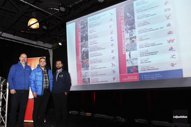 Alain Deschamps (directeur général de SportQuébec), Jean-Denis Toupin... (Photo Le Quotidien, Rocket Lavoie)