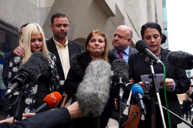 La famille d'une des victimes de Stephen Port... (AFP, Niklas Halle'n)