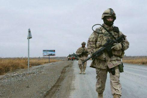 Les hommes de l'Armée de terre présentent un risque de suicide nettement accru... (Archives, Associated Press)