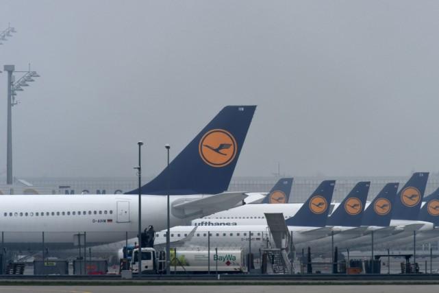 La grève des pilotes de la compagnie Lufthansa est entrée dans son troisième... (PHOTO AFP)