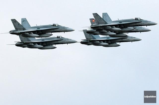 Le gouvernement fédéral souhaiteremplacer l'ensemble des 77 CF-18.... (Archives, Le Quotidien)