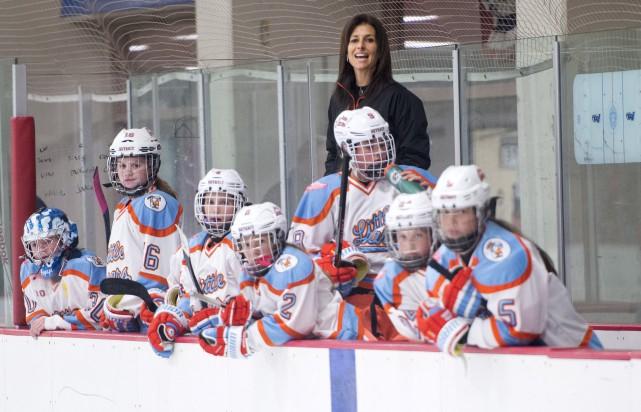 Après avoir été une pionnière du hockey féminin... (La Presse Canadienne)