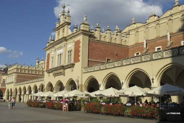 Cracovie est tout simplement magnifique, avec le château... (La Tribune, Isabelle Pion)