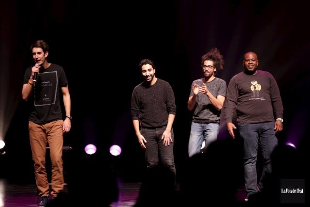 Jérémy Demay, Reda Saoui, Adib Alkhalidey et Alain... (Catherine Trudeau, La Voix de l'Est)