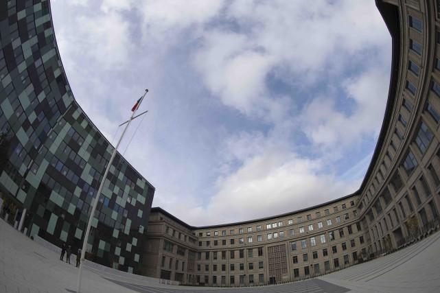Baptisé par certains le «Pentagone à la française»,... (AFP, Joël Saget)