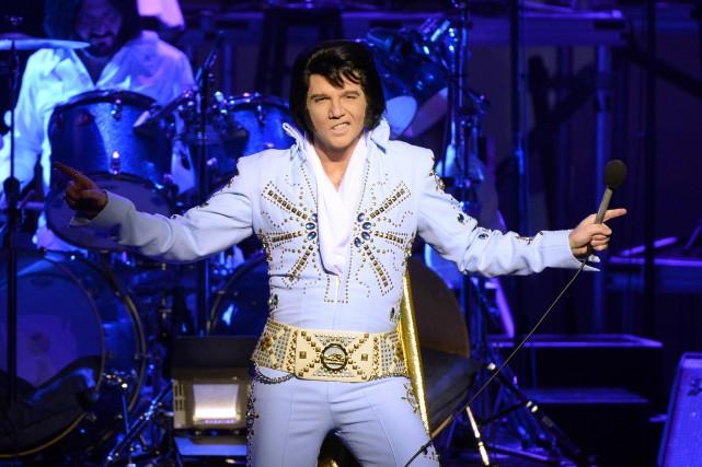 Martin Fontaine qui personnifie et chante Elvis viendra... (La Presse)