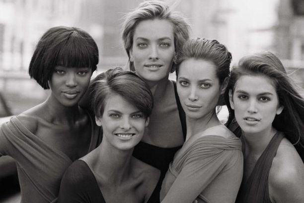 Naomi Campbell, Linda Evangelista, Tatjana Patitz, Christy TurlingtonetCindy... (photo Peter Lindbergh, (Courtesy of Peter Lindbergh, Paris/Gagosian Gallery))