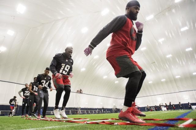Le Rouge et Noir d'Ottawa s'entraîne en vue... (Frank Gunn, La Presse canadienne)