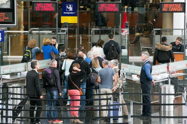 La douane de l'aéroport de Montréal.... (PhotoMARTIN TREMBLAY, Archives LA PRESSE)
