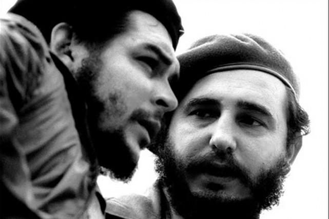 Fidel Castro afait la connaissance d'Ernesto «Che» Guevara... (PHOTO ARCHIVES AFP/CUBADEBATE)