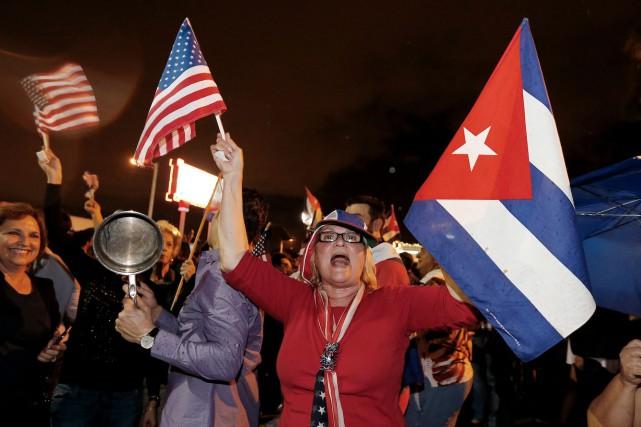 Dans la Petite Havane, des milliers de personnes... (AFP)