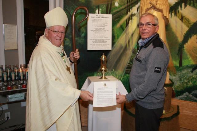 L'évêque du diocèse, Mgr André Rivest, a pris... (Photo courtoisie, Pierre Gill)