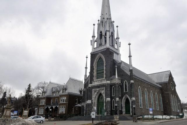 L'église Sacré-Coeur à Chicoutimi... (Archives Le Progrès-Dimanche, Rocket Lavoie)