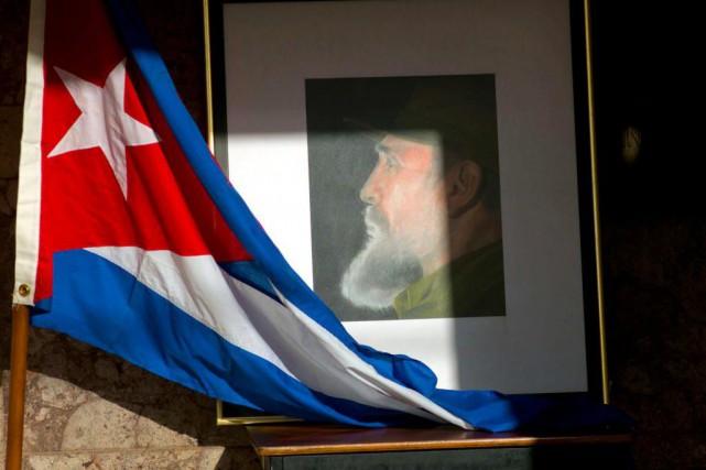 Quelle image les Québécois ont-ils de Fidel Castro... (PhotoRamon Espinosa, Associated PRess)