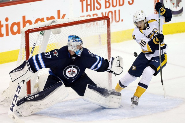 Le gardien Connor Hellebuyck a enregistré son deuxième jeu... (Photo Bruce Fedyck, USA Today)