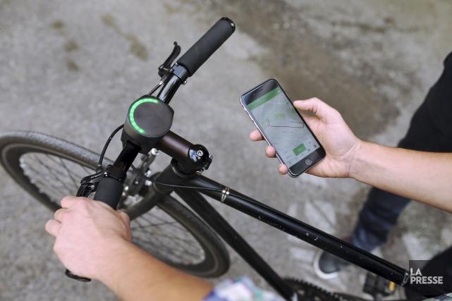 SmartHalo, ce gadget circulaire lumineux avec ses codes... (La Presse, Martin Chamberland)