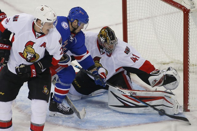 Craig Anderson a neutralisé l'attaque dominante des Rangers,... (Rich Schultz, Associated Press)