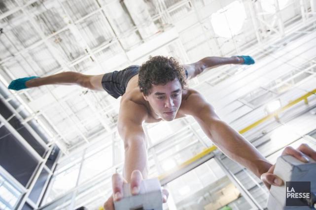 En se joignant au Cirque du Soleil, le jeune artiste de cirque américain Kyle... (PHOTO OLIVIER PONTBRIAND, LA PRESSE)
