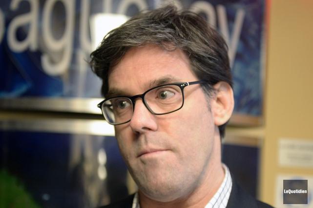 Éric Cimon, directeur de l'Association des groupes de... (Photo Le Quotidien, Jeannot Lévesque)