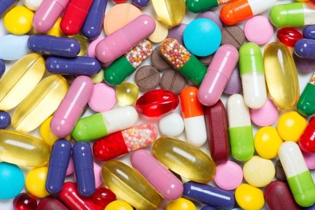 Les adolescents qui consomment des drogues et ceux... (123RF)
