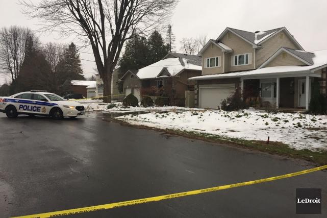 Les corps ont été découverts à proximité d'une... (Photo Patrick Woodbury, Le Droit)