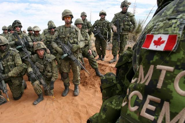 Des soldats canadiens lors d'un entraînement au Nouveau-Mexique,... (Victor Calzada, archives El Paso Times via AP)