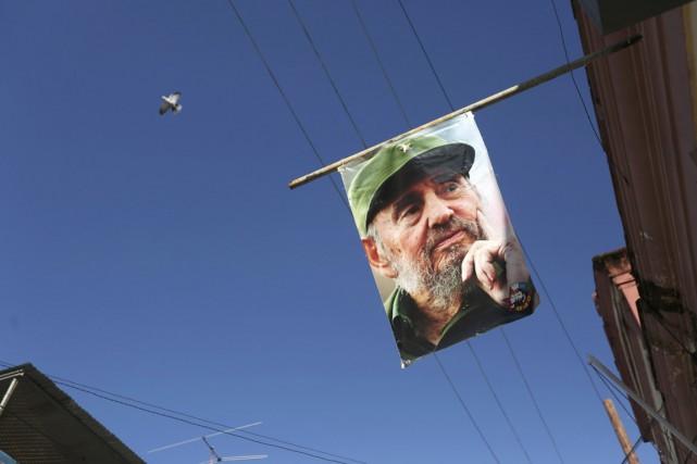 Une photo du père de la révolution cubaine... (photo Edgard Garrido, REUTERS)