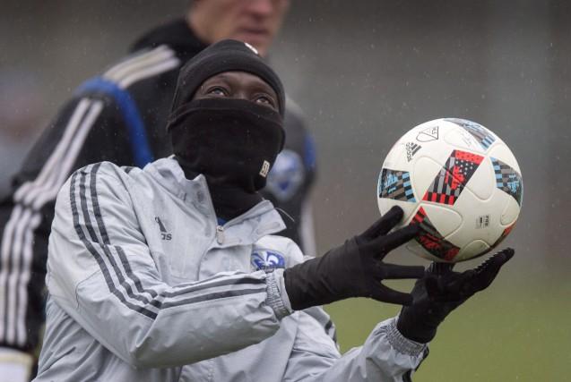 Le froid n'a pas empêché Dominic Oduro et... (La Presse Canadienne)