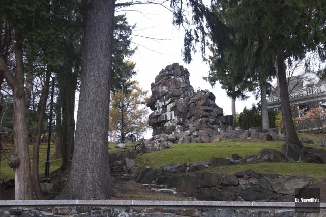 Le rocher de Grand-Mère.... (Sylvain Mayer, Le Nouvelliste)