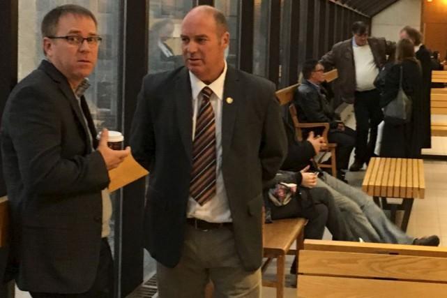 Thomas Harding (à droite de la photo) demandera... (La Tribune, René-Charles Quirion)
