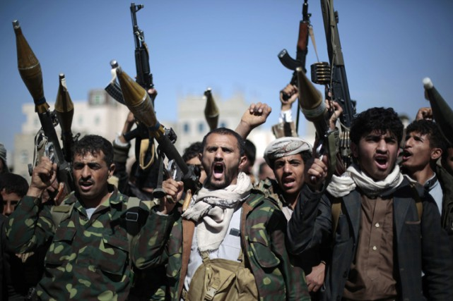 Une coalition militaire arabe intervient depuis mars 2015... (PHOTO AP)