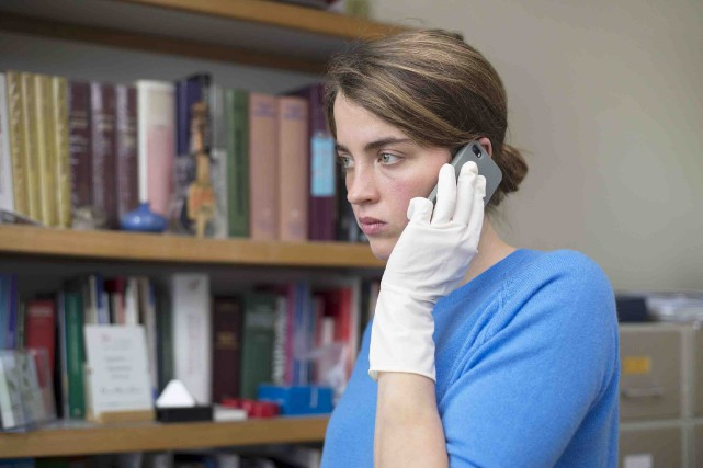 Adèle Haenel incarne la docteure Jenny Davin qui,... (Fournie par AZ Films)